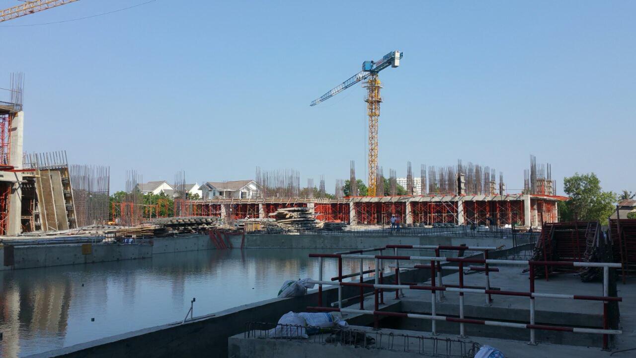 Block Leonardo Da Vinci Nhìn Từ Hồ Bơi