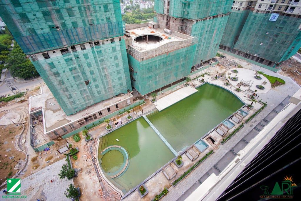 Các hạng mục hồ bơi và cảnh quan đang được hoàn thành